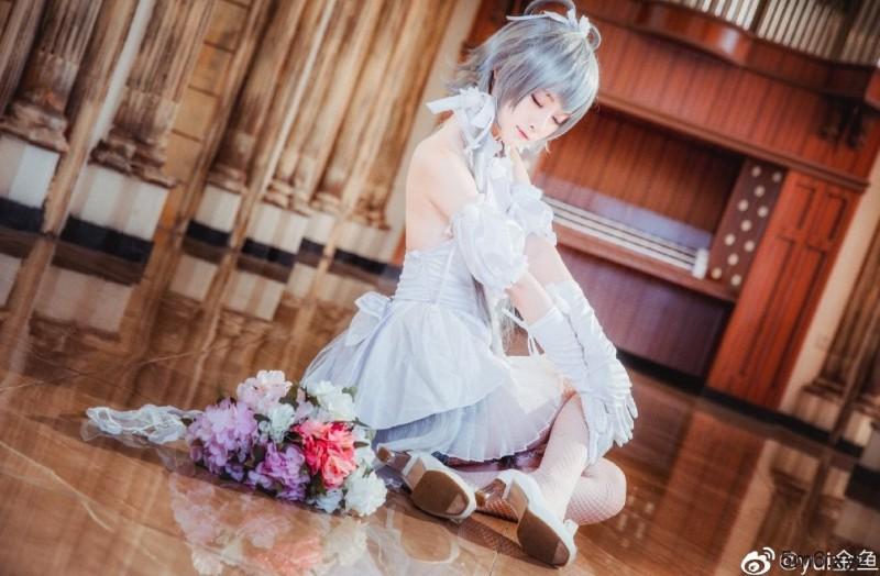【蜗牛棋牌】Yui金鱼Cosplay婚纱洛天依 清纯可爱美若天仙
